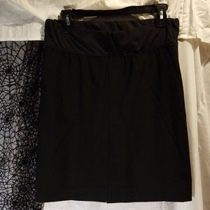 Black MATERNITY skirt with pockets! GUC